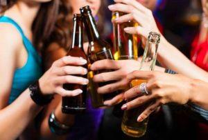 alcohol-mujeres_jovenes_MILIMA20160118_0118_8